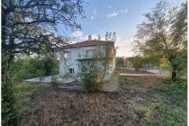 2-етажна къща в С. БАТА (България) за 38400 евро