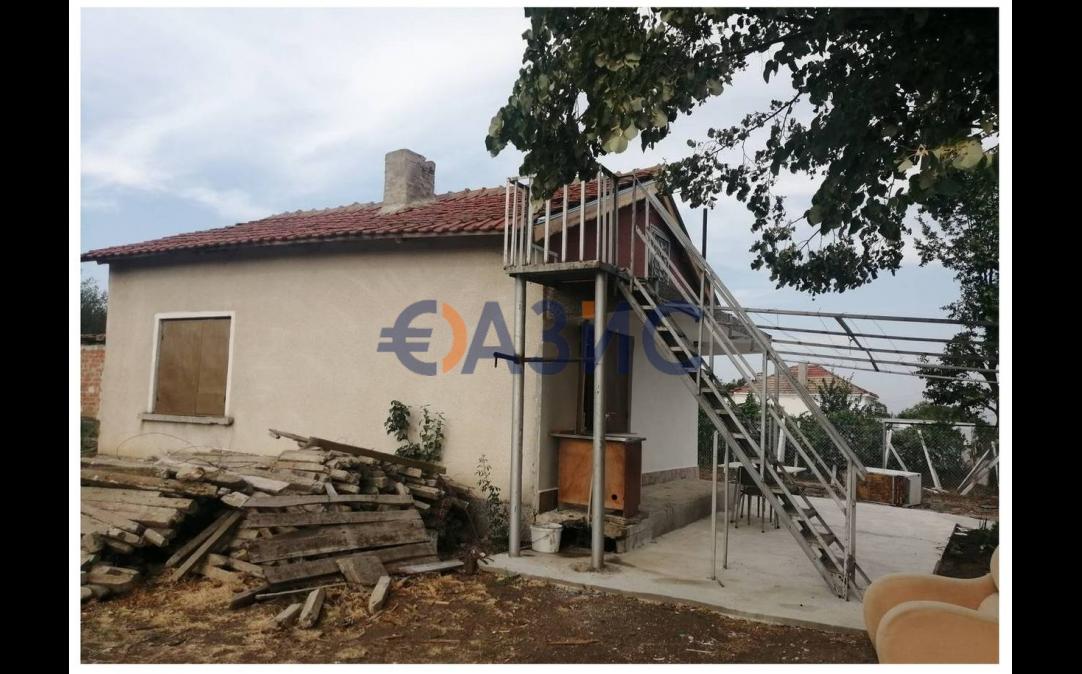 2х этажный дом в Карнобат (Болгария) за 25000 евро