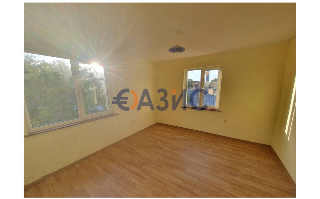 2х этажный дом в С. БАТА (Болгария) за 38400 евро