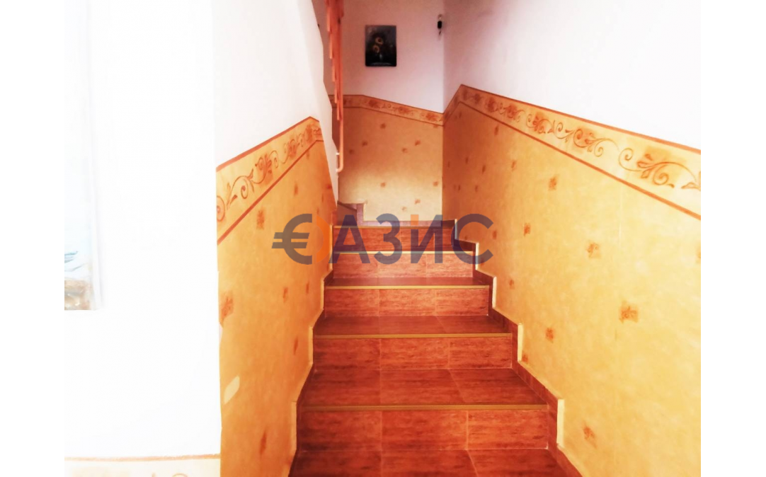 2х этажный дом в Кошарице (Болгария) за 104000 евро