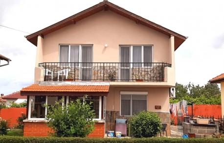 2х этажный дом в С. ГЪЛЪБЕЦ (Болгария) за 45000 евро