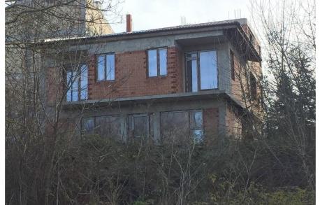 2х этажный дом в ГР. ЦАРЕВО (Болгария) за 90000 евро