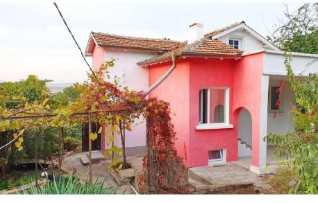 2х этажный дом в С. МЕДОВО (Болгария) за 68000 евро
