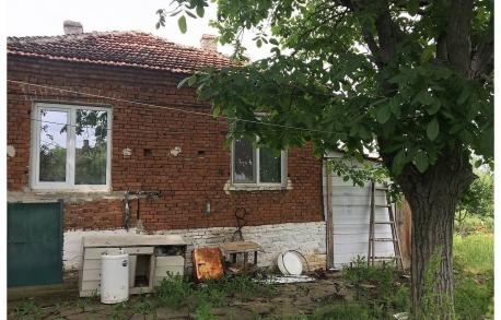 1о этажный дом в С. ИСКРА (Болгария) за 12000 евро