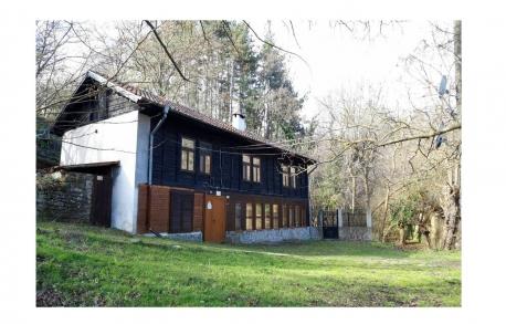 2х этажный дом в С. МЕДОВО (Болгария) за 65600 евро