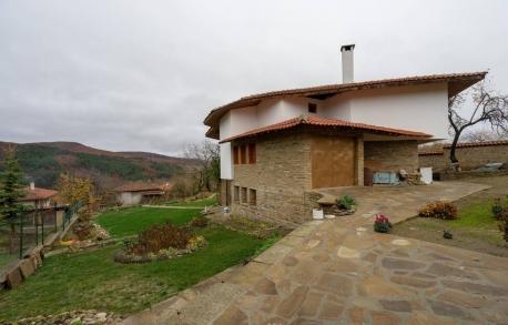 3х этажный дом в Сливене (Болгария) за 165000 евро
