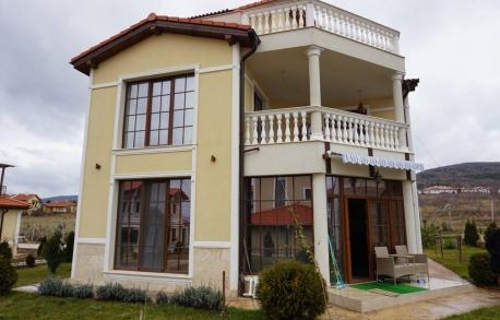 3-етажна къща в Кошарице (България) за 210000 евро