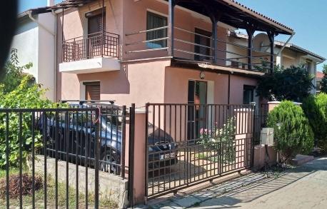 2х этажный дом в С. ГЮЛЬОВЦА (Болгария) за 99000 евро