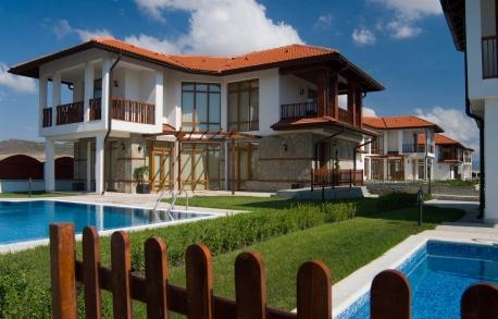 2х этажный дом в Ахелой (Болгария) за 155250 евро